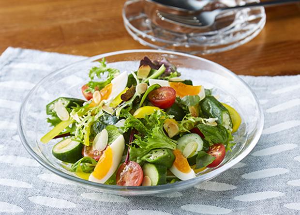 ゆで卵と夏野菜でコンソメ味のシャカシャカサラダ (レシピNo ...